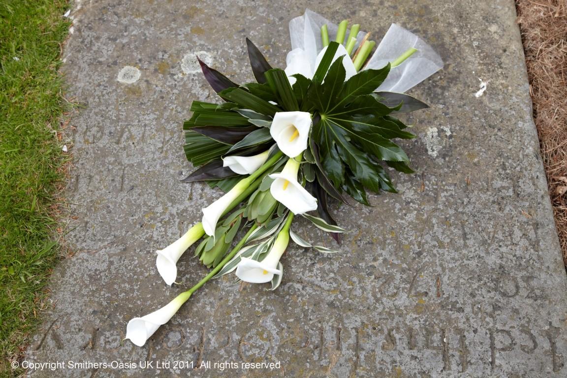 Calla sheaf funeral flowers leeds calla sheaf izmirmasajfo